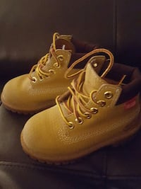Timberland; Toddler size 8.5; only worn 2x! 321 mi
