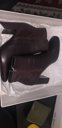 Brand new Pair of leather boots Vancouver, V5P 3A7