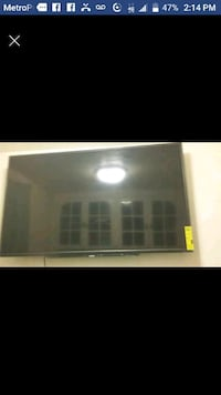 55 inc Toshiba flat screen with wall mount  Vallejo, 94590