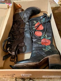 Free bird FB-Cyrus black leather size 7 lace/zip/buckle 2 inch boots.