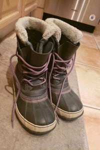 Sorel Winter Boots womens size 8