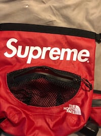 SUPREME X THE NORTH FACE FANNY PACK / ACROSS BODY PACK MINT CONDITION!!! London, N6A 1Y2