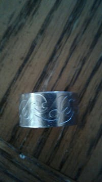 Ladies stainless steel ring Nanaimo, V9T 5W1