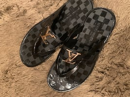 Louis Vuitton slippers(size 10