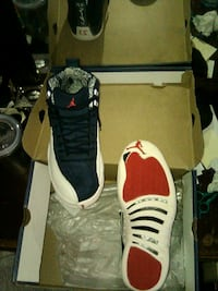 Jordan 12s 7-1/2 used once can't fit them