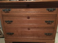 brown wooden 3-drawer chest Leesburg, 20176