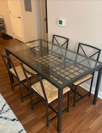 Dinning Room Table and Chairs Baltimore, 21216