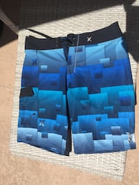 Men's Hurley size 32 phantom board shorts . New without tags . Retail for 65