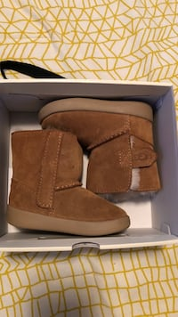 pair of brown UGG boots Cranston, 02910
