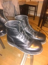 Authentic and gently used army boots Abbotsford, V4X 1L9