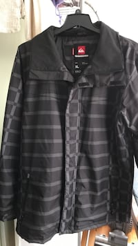 size XL black and gray Quiksilver zip-up jacket
