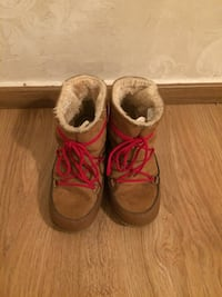 winter boots size 37 8275 km