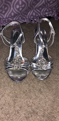 Shoes 6 1/2 great for long dresses lkle proms or formals Tallahassee, 32304