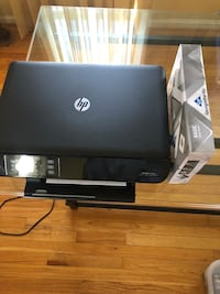 HP Envy 4500 w/ free pack of paper  37 mi