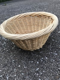 Baskets  $1 to $2 Mississauga