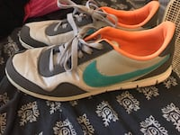 Women's Nike shoes-size 9 Westerville, 43081
