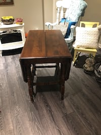 Brown wooden single-drawer end table 3735 km