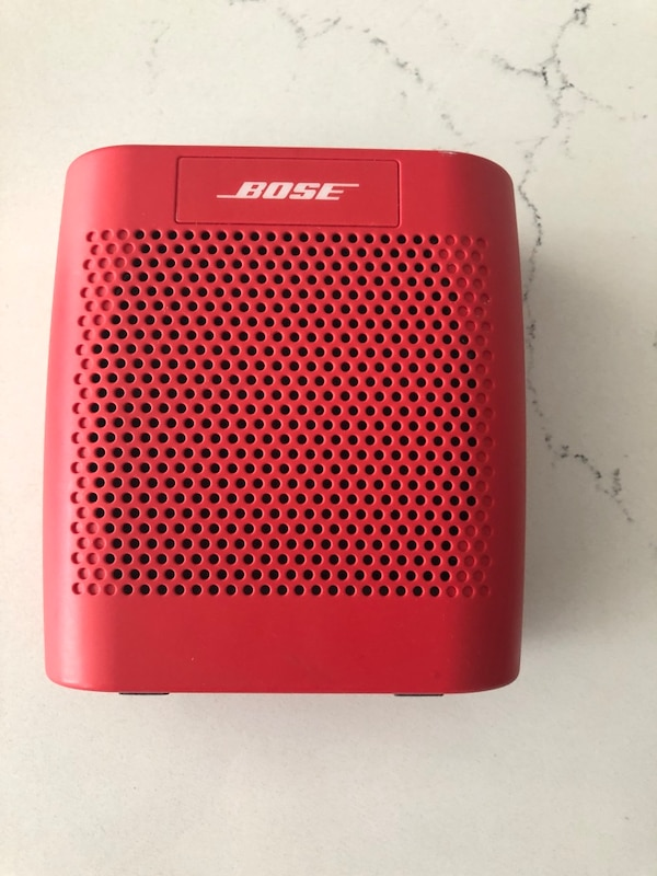 Bose soundlink color bluetooth speaker 28d90332-d8a7-4b8b-bece-5b1b1ac959e3