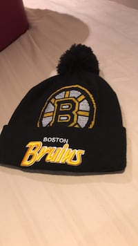 black and yellow Pittsburgh Steelers knit cap Burlington, L7M