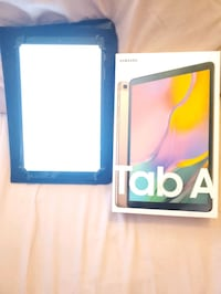 Samsung Galaxy tab a 10.1 32g with case and keyboard