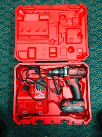 Milwaukee Drill One Battery w / Charger !! Negotiable!! Baltimore, 21217