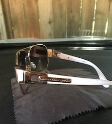 Authentic Marc by Marc Jacobs gold framed aviator sunglasses