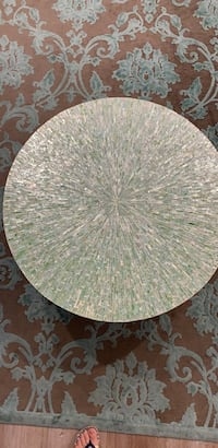 Round green table Dearborn Heights, 48127