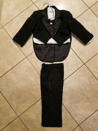 Baby 5-piece Tuxedo with Tails (large/24) Indio, 92201