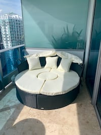 New Outdoor Daybed Miami, 33131