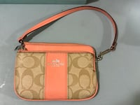 Authentic Coach wristlet in new condition  Fairfax, 22031