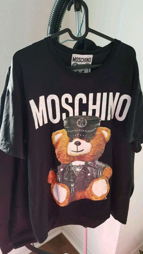 Moschino Over -Sized T shirt - 49e877f7-7c9c-4c83-b62d-1af315c3ee80