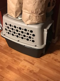 White and black pet carrier Glenview, 60025