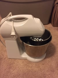 white stand mixer Knoxville, 37938