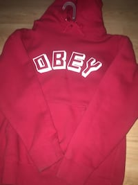 Red and white hollister pullover hoodie Winnipeg, R2R 0E4