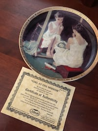 Vintage collectible Girl In Mirror plate  Toronto, M6H 1H7