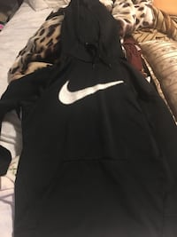 Nike activewear, size Medium. Clean, no smoker, no pets Winnipeg, R2J 1C2