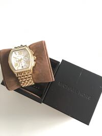 Michael Kors Gold-colored analog watch with brown leather strap Los Angeles, 90068