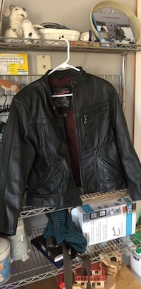 Leather jacket size XL but fits like a medium to large. Flying biker brand thinsulate Bangor, 04401