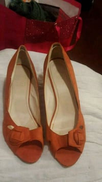 pair of brown leather flats Perth Amboy, 08861