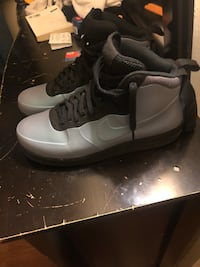 High top foam Nike air sneakers size 12 in great condition  New York, 10459