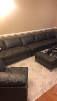 Large sectional  Suitland, 20746