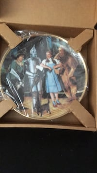 Set of 8 wizard of wizard plates 251 mi