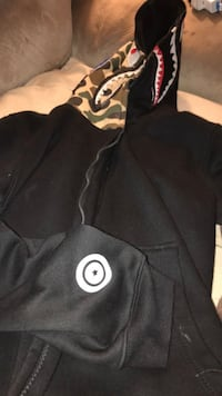 %100 authentic bape hoodie come pick up today!  Southfield, 48075