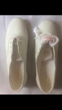 Pair of white easy spirit low-top shoes Los Angeles, 90731