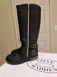 pair of black leather boots Ashburn, 20148
