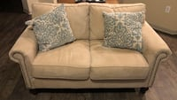 Loveseat from Pier 1 (pillows included) Houston, 77007