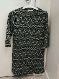 Zara print mini dress  size S Richmond, V6X 1P6