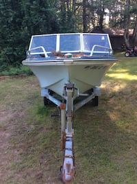 Boat trailer comers with boat