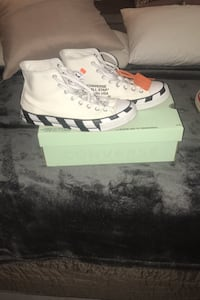 Off white chuck Taylor Vancouver, V5P