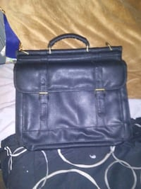 Black leather satchel bag verry nice